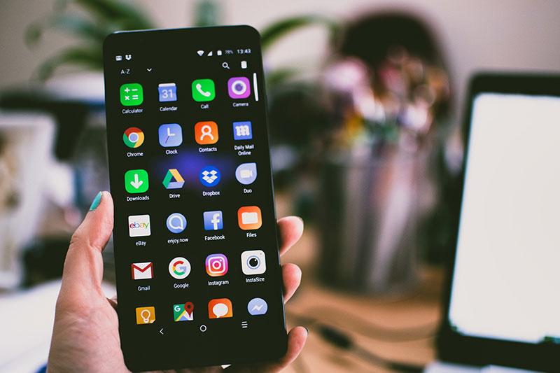 Mobiltelefon és kiegészítők egy helyről
